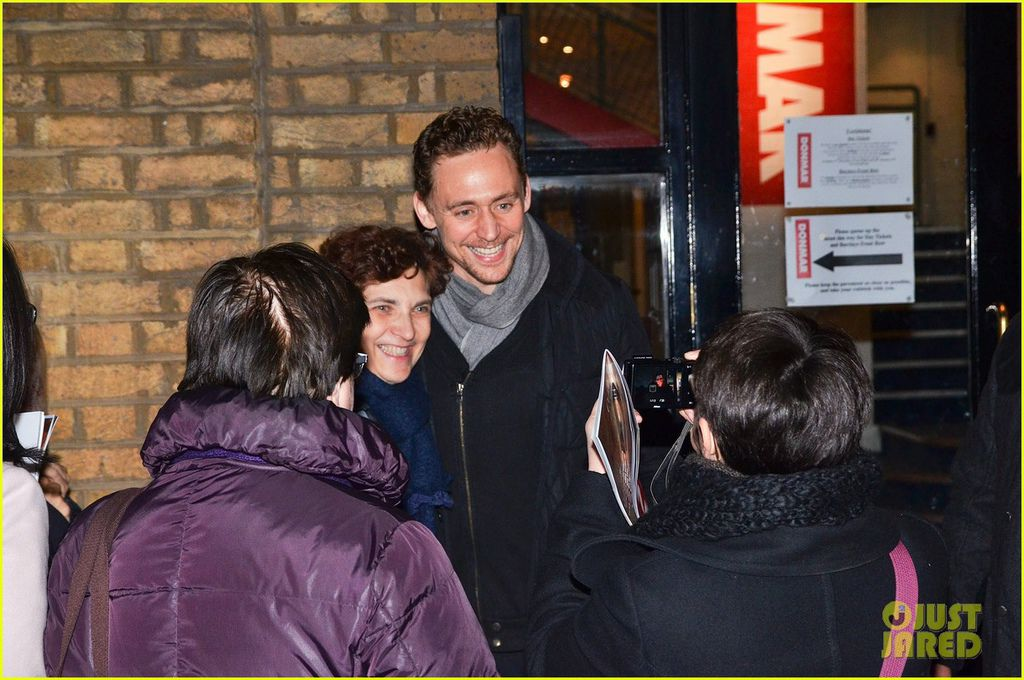tom-hiddleston-watch-psa-to-help-syrian-children-19