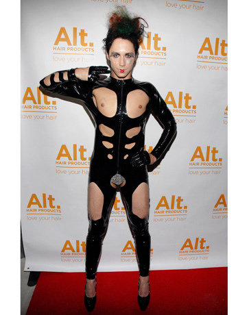 hbz-johnny-weir-halloween-costume-de-79484867