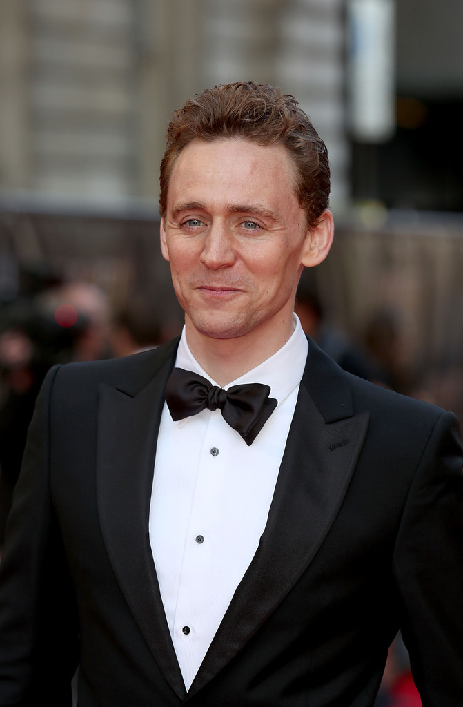 Tom+Hiddleston+Laurence+Olivier+Awards+Red+CbO7Dg8pBtWx