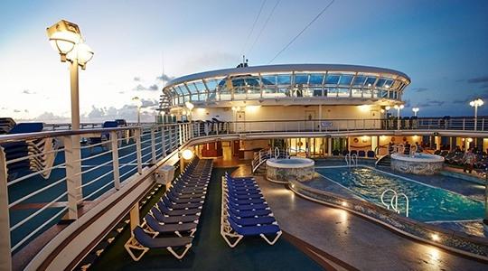 海王星室外游泳池.jpg
