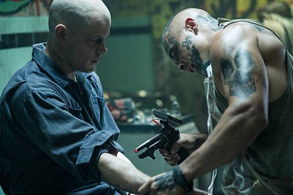 Matt-Damon-in-Elysium-2013-Movie-Image-2-650x432