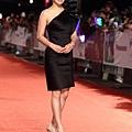 劉品言今天穿黑色LANVIN洋裝燈紅毯 [照片來源:蘋果日報]