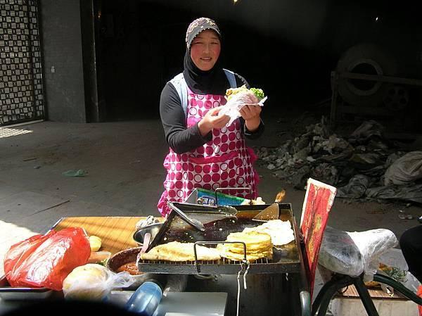 DSCN2817西安賣早餐的回族婦女