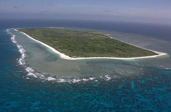 西沙東島 像一張地毯(人民日報蘭建瓊).jpg