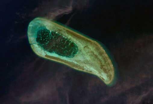 North_Reef,_Paracel_Islands,_NASA.jpg