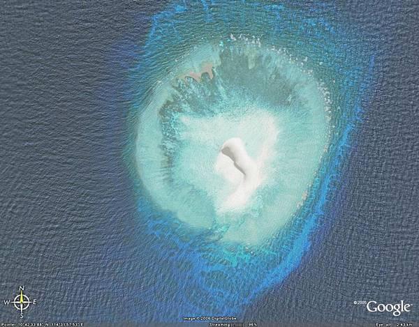 南沙楊信沙洲礁盤.jpg