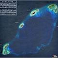 南沙雙子群礁;左下是奈羅礁.jpg