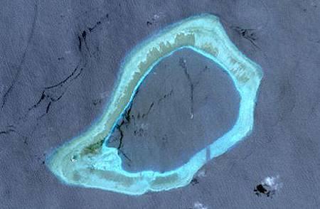 南沙渚碧礁(中)衛星圖.jpg