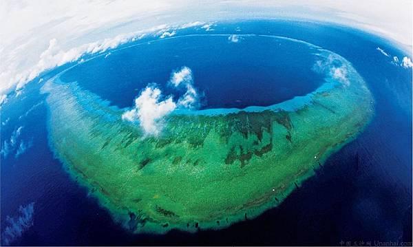 南沙美濟礁(中國國家地理航拍).jpg