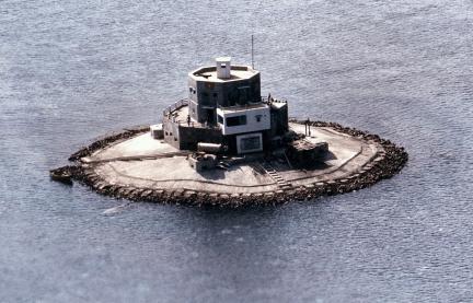 南沙奈羅礁越軍的早期建築.jpg