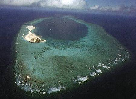 南沙禮樂灘礁盤.jpg