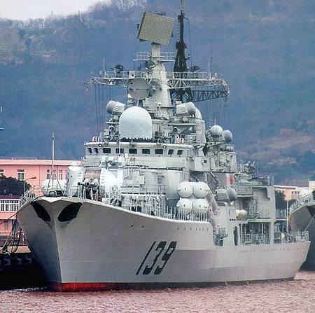 中國139號導彈驅逐艦奔赴南海.jpg