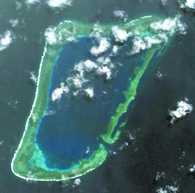 南沙半月礁1.jpg