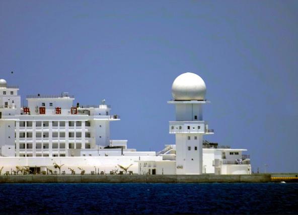 東門礁的雷達站.jpg