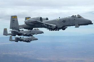 美國戰機飛越黃岩島上空.jpg