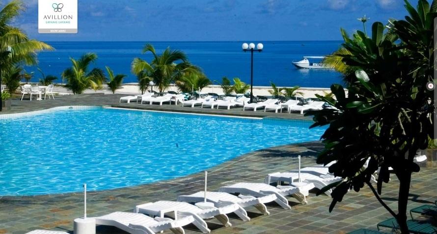 馬佔彈丸礁的觀光旅館泳池.jpg