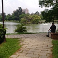 清華大學校園中的 小湖.jpg