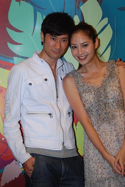 陳恩峰(左)與白歆惠在片中飾演夫妻,有精彩床戲.jpg