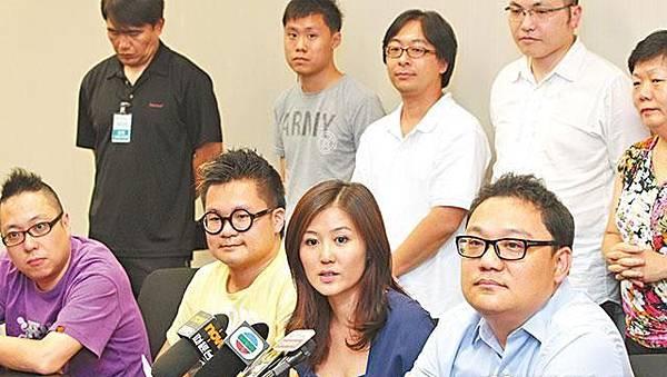 人民力量政制發言人劉嘉鴻(右一)表示,人力支持和平佔中的概念,考慮成立小隊全力支援佔中;中為人力主席袁彌明。