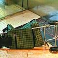 賊人以買餸用手推車藏鐵鎚。