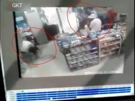 安徽兩警察眼睜睜看著少女被殺 竟不知所措 忘記自己是警察