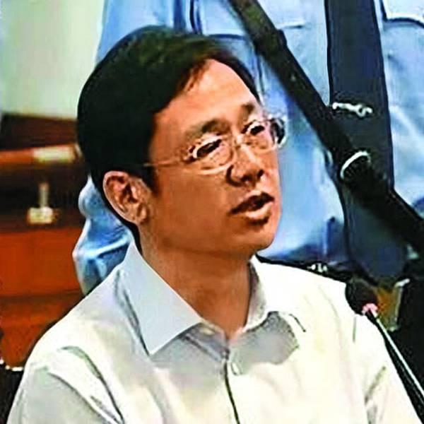 大連實德前董事長徐明,是薄家衣食住行的金主。