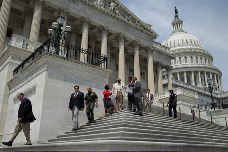 美議員提前返國會討論敘利亞 奧巴馬「言出必行」遇挑戰
