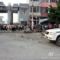 9月9日晨,廣西省桂林市靈川縣一學校門前發生爆炸事故,一輛正在行駛的三輪車突然發生起火爆炸,場面極其慘烈。(網絡圖片)