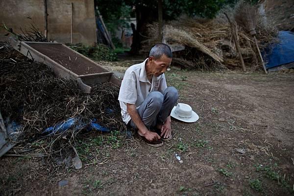 安徽省阜陽市穎上縣,新集鎮,李良如,67歲。2011年查出食道癌,2012年做完手術。(大紀元資料室)