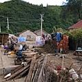 這幾家都為營救法輪功學員簽名了,家裡進水很少,沒有損失。現在為無家可歸的鄉親提供食宿。(網絡圖片)
