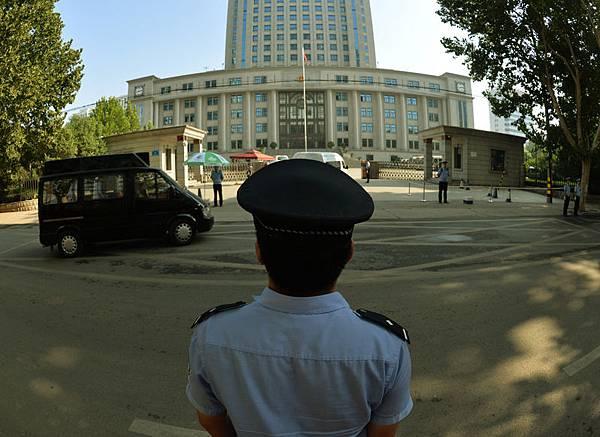 外媒聚焦「網絡謠言可判刑」 敲響中共法治喪鐘