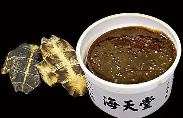 龜板有滋陰補腎療效,海天堂龜苓膏被驗出無龜板成份,更被指出售發霉產品。
