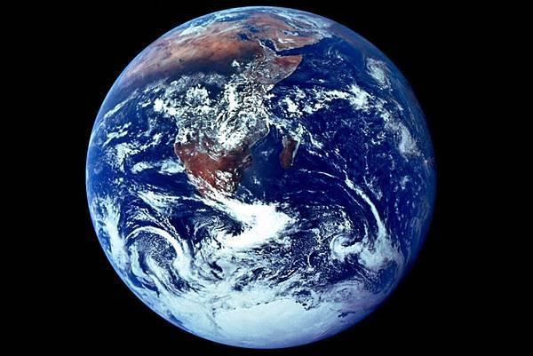 英科學家:人類生存最大威脅來自人類自身