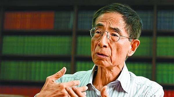 李柱銘:「(普選)就算係我哋嘅家事,但香港唔係港人治港,係共產黨治港、係西環治港、係梁振英共產黨員治港,違反聯合聲明,人哋都未批評你啦!我嫌英國出聲出得遲。」