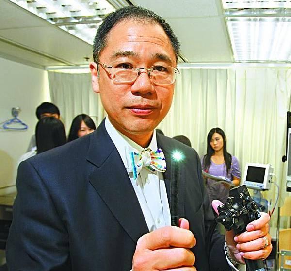 胡興正醫生是本港腸胃肝臟科專家。