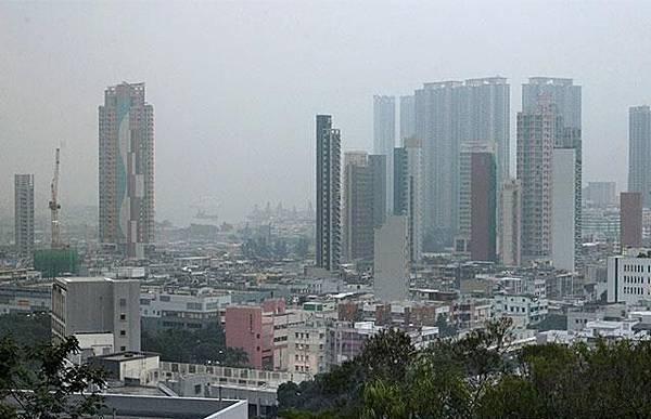 九龍城區聚集大量名校,若家長依循地產代理的建議,有機會被檢控。楊柏賢攝