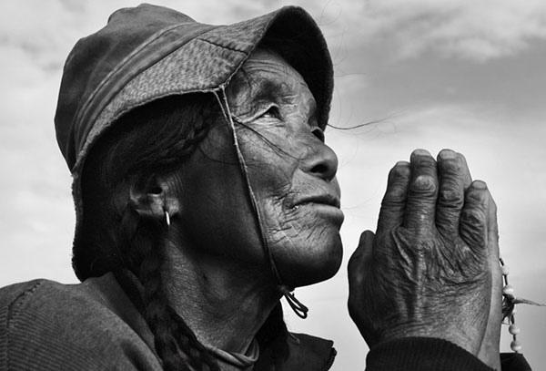 中國人最缺什麼?近日,網絡盤點中國人最缺九樣東西,其中之一是信仰。(網絡圖片)