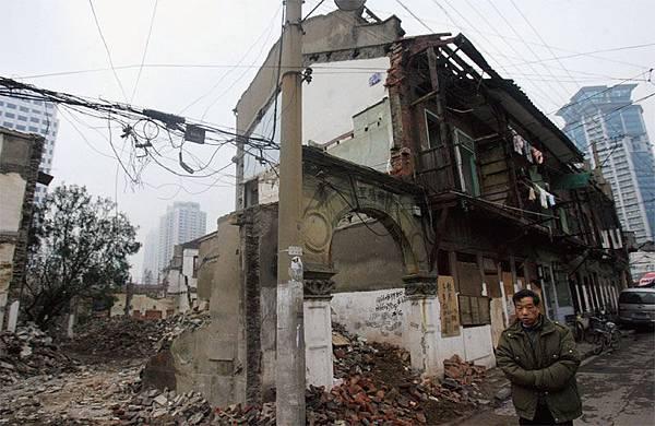 中國經濟危機未解 國殤64年至崩潰邊緣