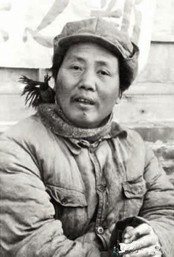 毛澤東三四十年代的舊照,完全顛覆了中共「偉光正」「人民救星」的洗腦宣傳。(網絡圖片)