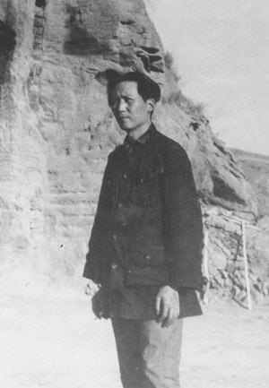 1935年流竄到陝北時的毛澤東,身材瘦削,臉上無肉。