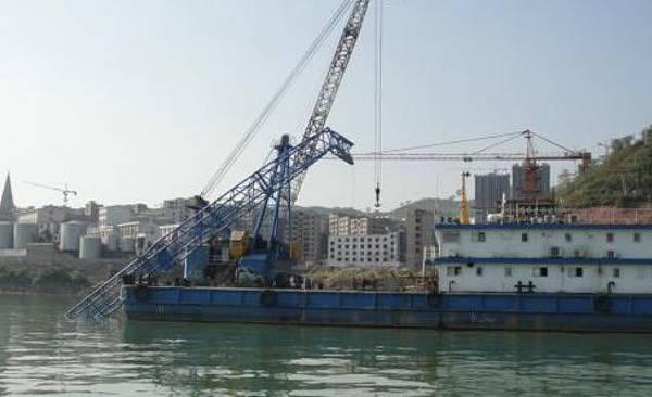 重慶豐都長江二橋垮塌 致11人失蹤