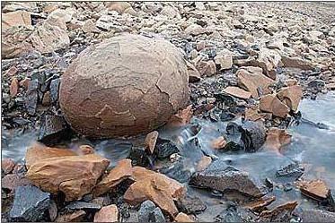 自行增減重量的怪石。(網絡圖片)