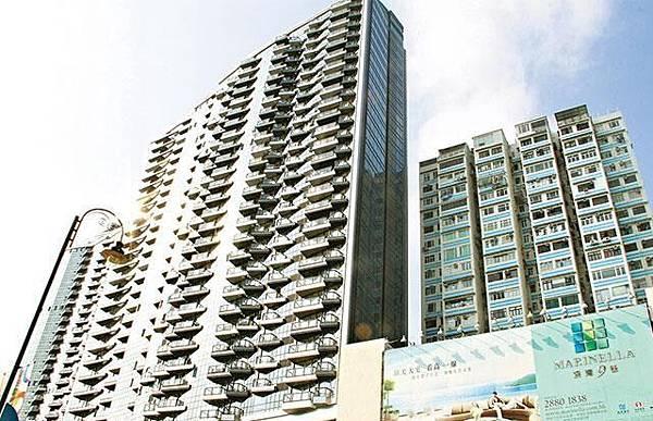 港島南區豪宅「深灣9號」部份單位售價逾億,十多名業主入伙後卻發現發霉及漏水問題。莊建鑫攝