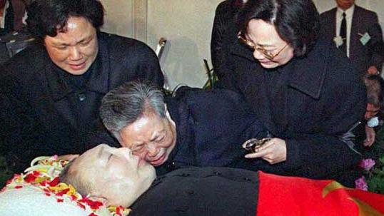 死有餘辜,六四劊子手鄧小平。