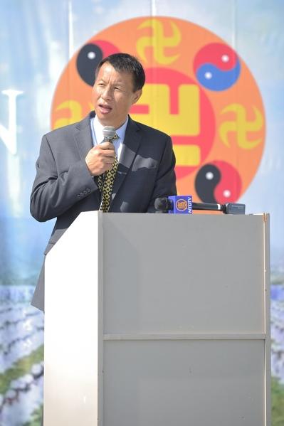 退黨服務中心執行主席李大勇表示:三退人數超過1.48億,人民在覺醒法輪功學員講述受迫害的經歴。  (宋祥龍/大紀元)