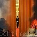 中共十八屆三中全會於9日起一連4天在北京召開,目前種種跡象顯示,中共寄予厚望的三中全會注定在大動盪中開幕。(大紀元合成圖片)
