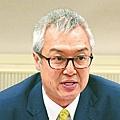 通訊局主席何沛謙昨缺席會議,但向立法會提交文件反駁政府的發牌理據。