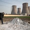 中國大陸土壤污染日趨嚴重,全國耕地的1/6,約2,000萬公頃耕地被重金屬污染,絕大部份農產品重金屬含量超標。圖為河北邢台。(ED Jones / AFP)