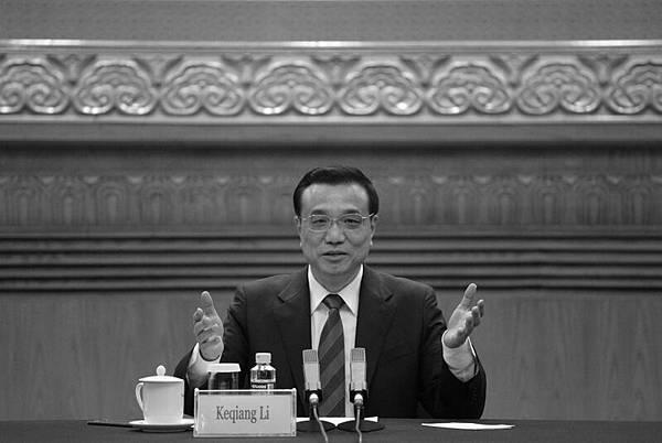 中共高層分裂內部激鬥,地方與中央對立亂象盡顯,令習、李當局很惱火,近日李克強再放重話稱,地  方政府改革是一場「革命」。(WANG ZHAO/AFP)