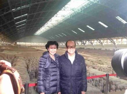 華人首富李嘉誠訪問西安,場面轟動。(互聯網)